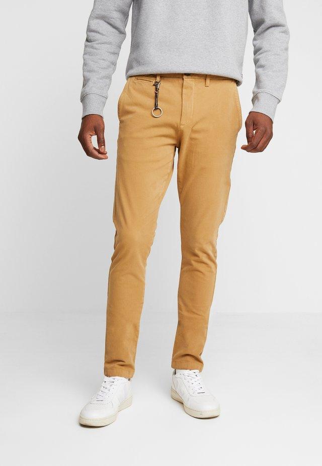 POBOBBY - Chino kalhoty - camel