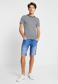 CELIO - NOBROB - Denim shorts - blue - 1