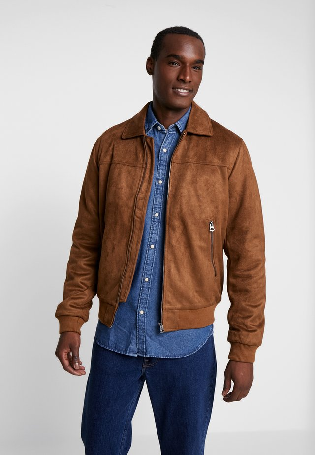 PUDAIM JACKET - Faux leather jacket - camel
