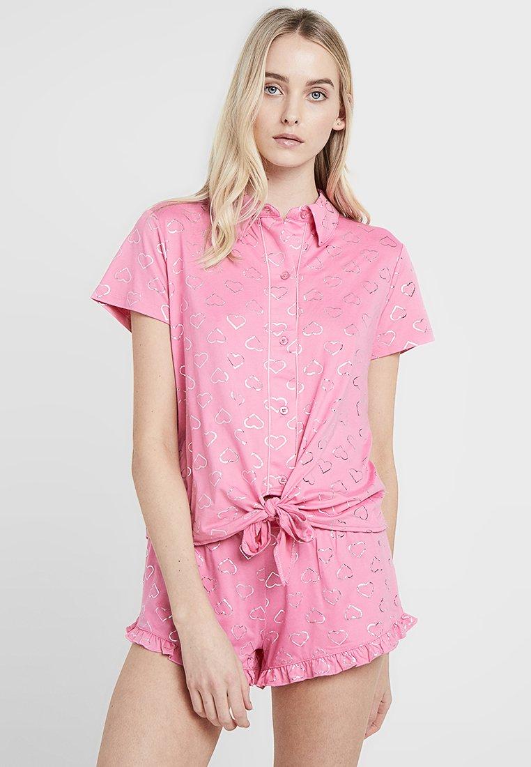 Chelsea Peers - HEART SHORT SET - Pyžamová sada - pink