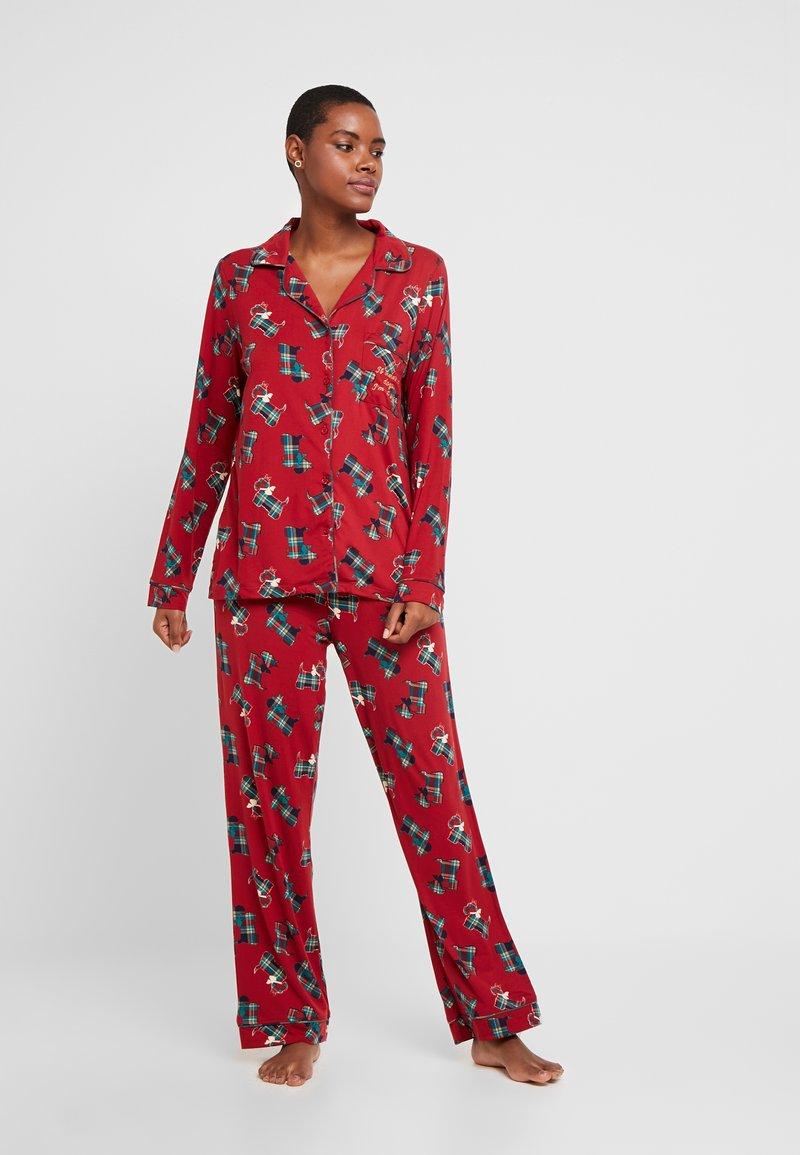 Chelsea Peers - TARTAN SCOTTY DOG LONG SET - Pyžamová sada - burgandy