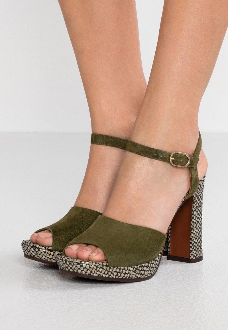 Chie Mihara - CASETTE - Højhælede sandaletter / Højhælede sandaler - kaki/dias gold