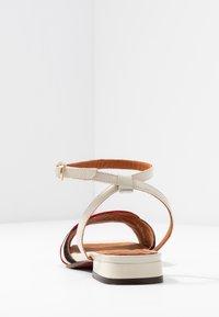 Chie Mihara - TIMAI - Sandals - rojo/freya leche/shaddai oro - 5