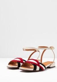 Chie Mihara - TIMAI - Sandals - rojo/freya leche/shaddai oro - 4