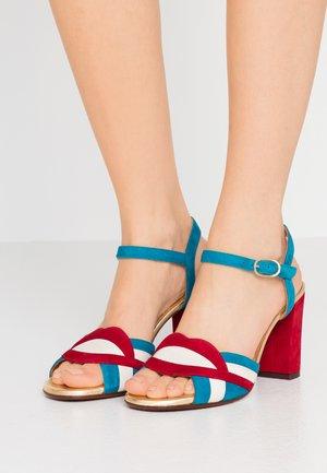 BATILO - Sandály na vysokém podpatku - rojo/freya leche/blue/shaddai oro