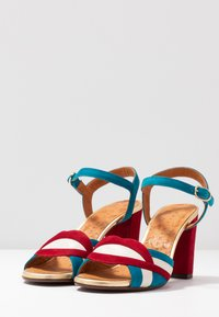 Chie Mihara - BATILO - Sandály na vysokém podpatku - rojo/freya leche/blue/shaddai oro - 4