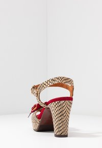 Chie Mihara - EKUNE - High heeled sandals - natur/rojo - 5