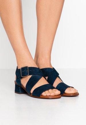 ISRAEL - Sandals - indigo/bara castano/forro