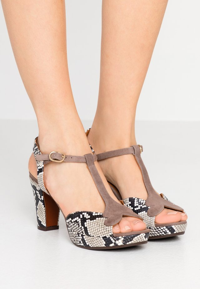 EGISTA - High heeled sandals - mambo natur/humo