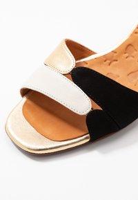 Chie Mihara - LUCANO - Sandals - leche/oro - 2