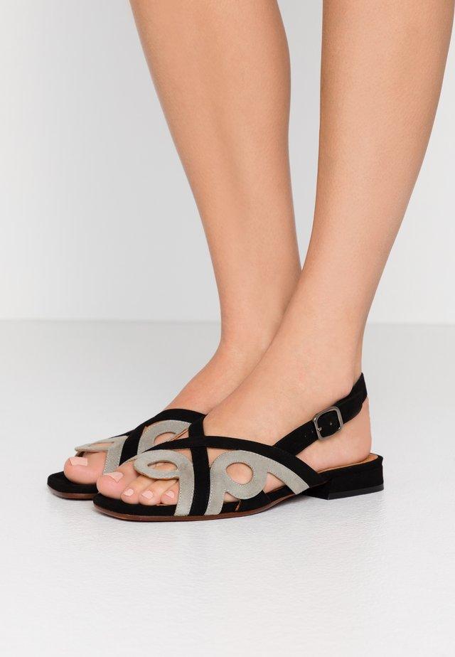 TABATA - Sandaalit nilkkaremmillä - cement