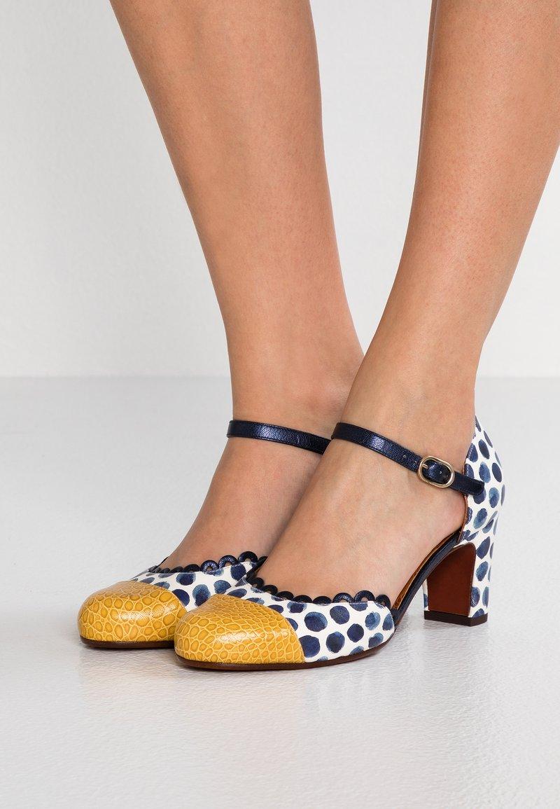 Chie Mihara - MARGOT - Classic heels - nilo ocre/masai navy/posh navy