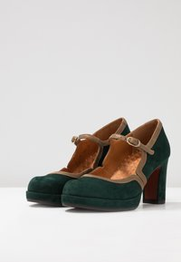 Chie Mihara - JOLY - Plateaupumps - alga/ gloss bronce - 4