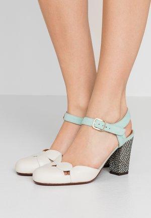 UBEDIS - High heels - barna leche/acqua/dias gold