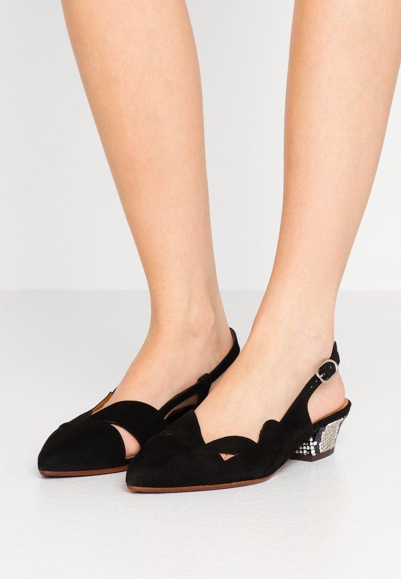 Chie Mihara - Classic heels - natur