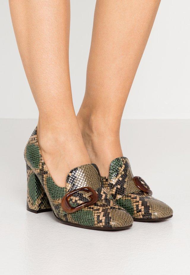 RAIDIS - Classic heels - green