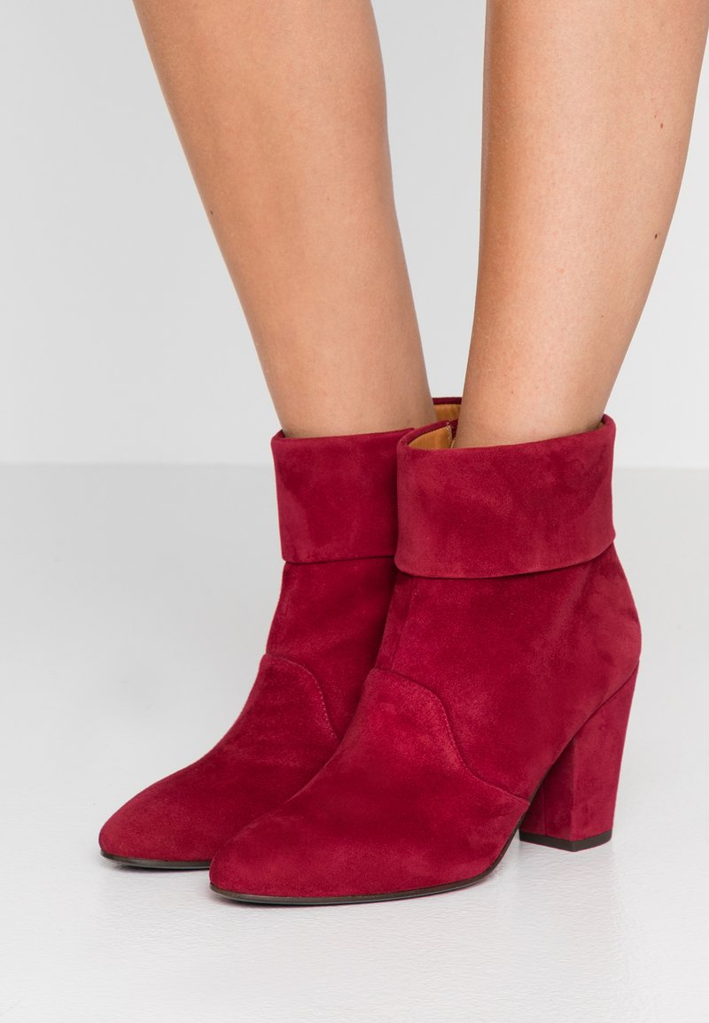 Chie Mihara - EBRO - Ankle boots - granate