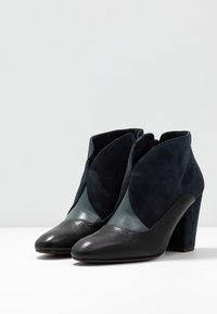 Chie Mihara - ELGI - Boots à talons - pizarera/storm - 4