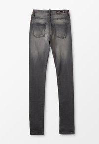 Chipie - JEAN - Slim fit jeans - gris clair - 1