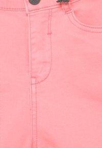 Chipie - Denim shorts - rosa mexica - 3