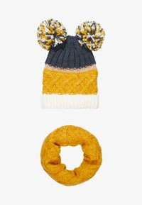 Chipie - HAT SNOOD SET - Sjaal - mustard - 3
