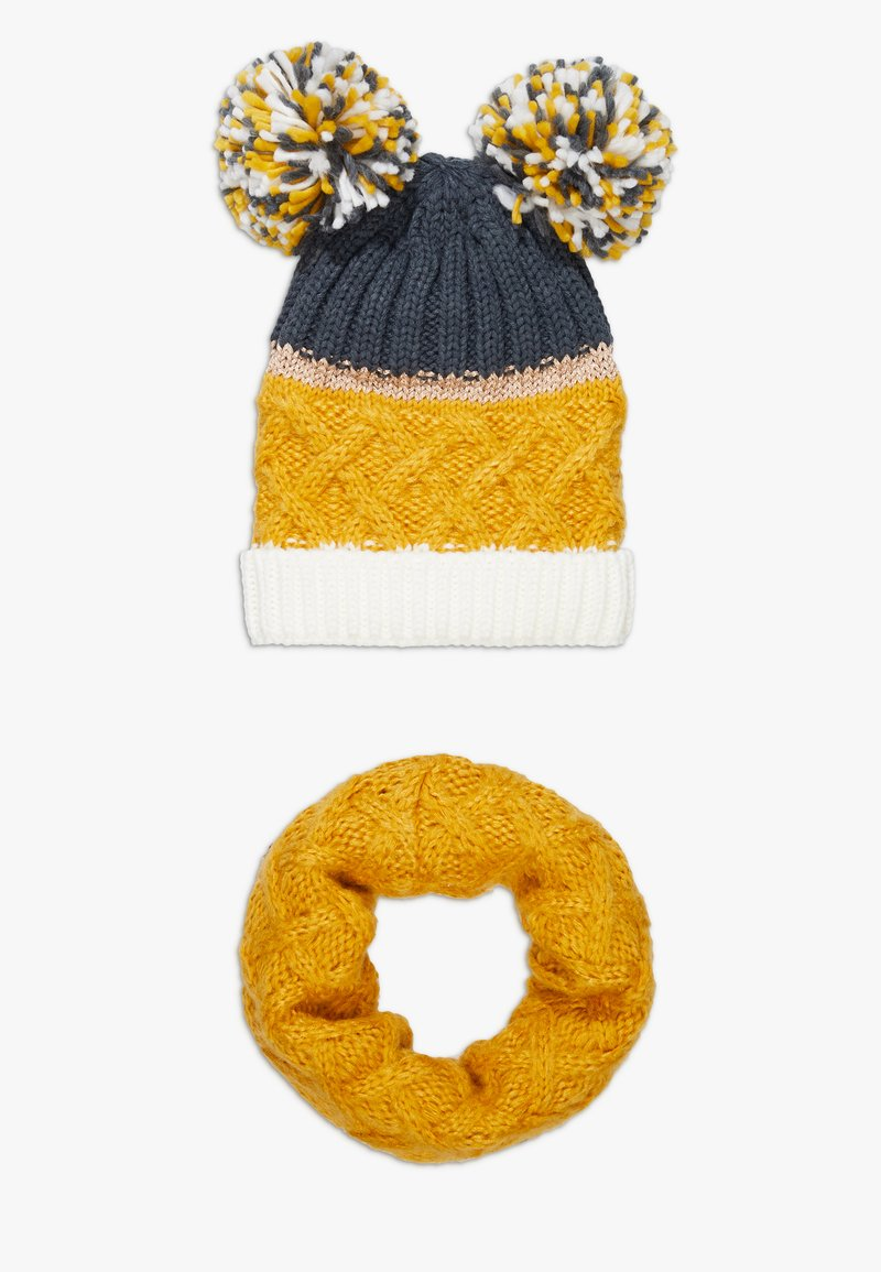 Chipie - HAT SNOOD SET - Sjaal - mustard