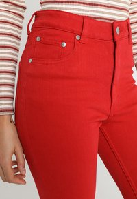 Cheap Monday - HIGH SKIN - Pantaloni - fiction red - 3