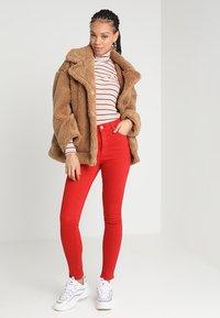 Cheap Monday - HIGH SKIN - Pantaloni - fiction red - 1