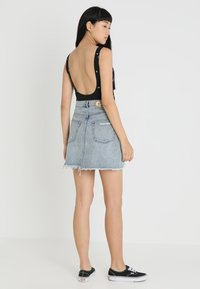 Cheap Monday - SLANT SKIRT - Farkkuhame - hex blue - 2