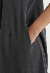 Cheap Monday - Vestito di maglina - dark grey - 5