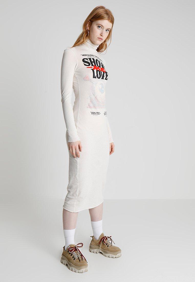 Cheap Monday - DAMNED DRESS LOVE POSTER - Žerzejové šaty - strange white