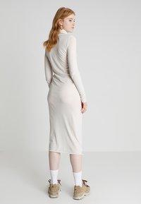 Cheap Monday - DAMNED DRESS LOVE POSTER - Žerzejové šaty - strange white - 2