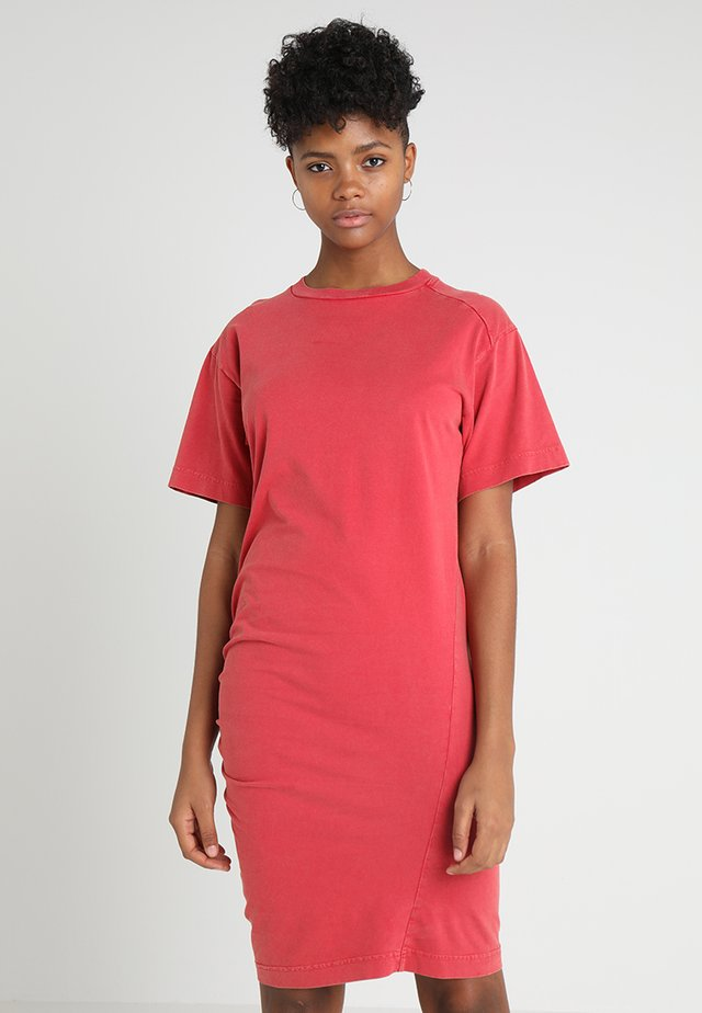 BLEAK DRESS - Jerseyklänning - fiction red