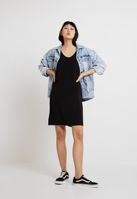 Cheap Monday - GENTLE DRESS TARTAN CHECK - Vapaa-ajan mekko - black - 1