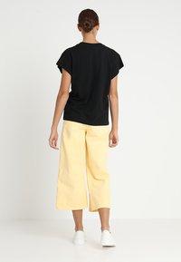 Cheap Monday - SCREEN - T-shirt basic - black - 2
