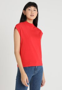Cheap Monday - DIG - T-shirt basic - red - 0