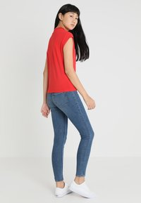 Cheap Monday - DIG - T-shirt basic - red - 2