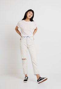 Cheap Monday - STANDARD TEE - T-paita - white - 1