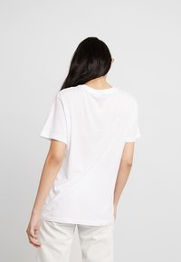 Cheap Monday - STANDARD TEE - T-paita - white - 2