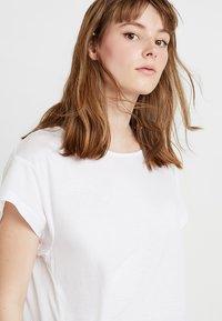 Cheap Monday - SCREEN KNOT - T-shirt con stampa - white - 4