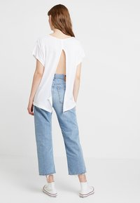 Cheap Monday - SCREEN KNOT - T-shirt con stampa - white - 0