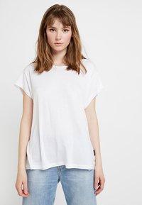 Cheap Monday - SCREEN KNOT - T-shirt con stampa - white - 2