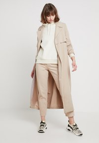 Cheap Monday - DONNA - Jeans relaxed fit - off pink - 1