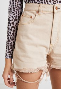 Cheap Monday - DONNA - Shorts di jeans - off pink - 3