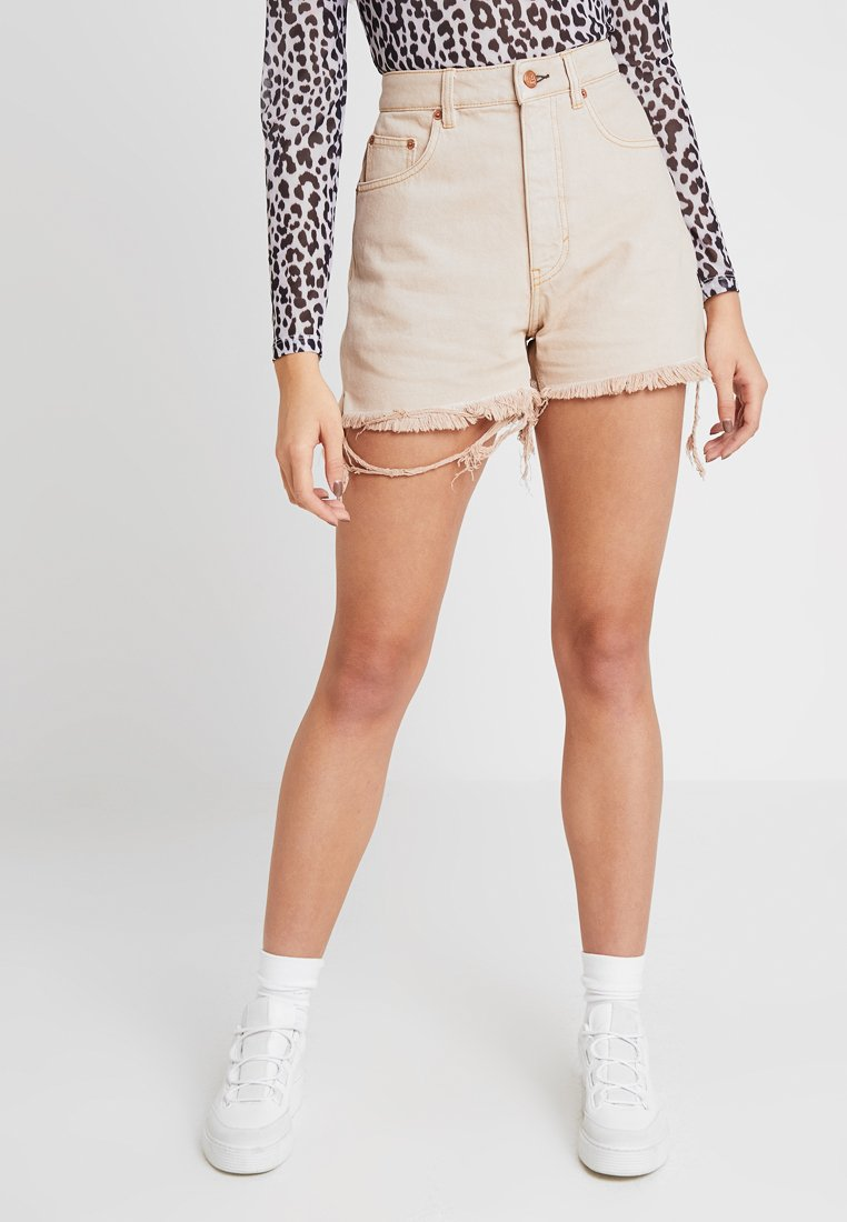 Cheap Monday - DONNA - Shorts di jeans - off pink