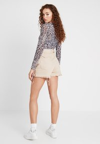 Cheap Monday - DONNA - Shorts di jeans - off pink - 2