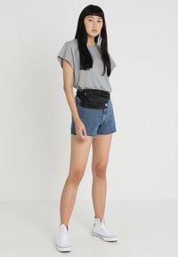 Cheap Monday - DONNA - Jeans Short / cowboy shorts - blue denim - 1