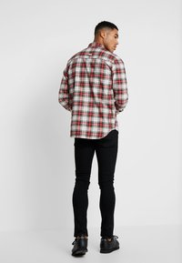 Cheap Monday - FIT SHIRT RELAX CHECK - Camicia - punk red - 2