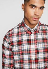 Cheap Monday - FIT SHIRT RELAX CHECK - Camicia - punk red - 3