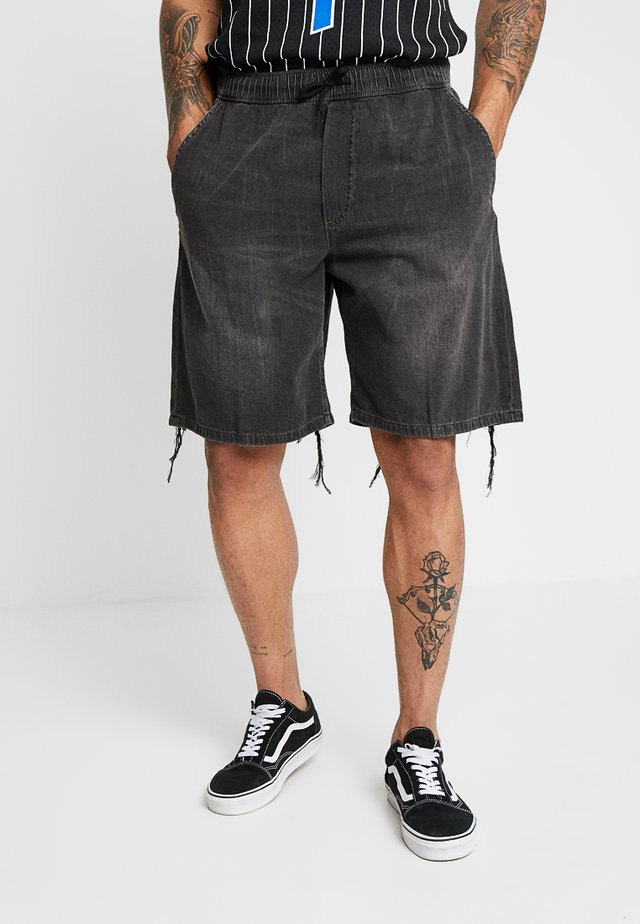 KING - Shorts - black